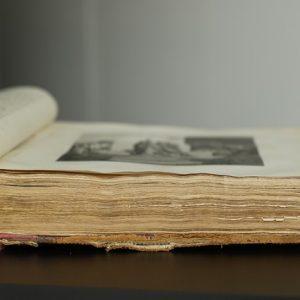 book-4085944_640